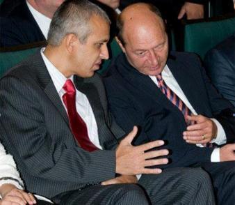 Oamenii lui Băsescu sar din nou să-l servească vorbind în numele a milioane de români