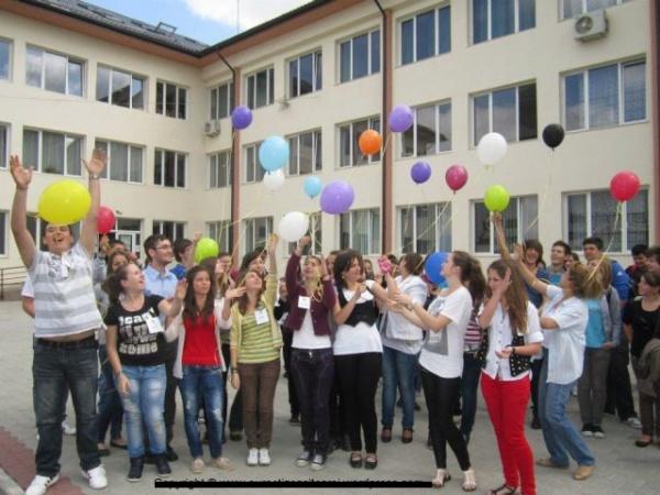 Europa își deschide granițele pentru câștigătorii CNE.Echipa LT Carei la Bruxelles