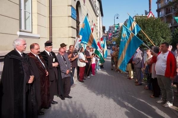 CUM ÎI MANIPULEAZĂ UDMR pe maghiarii din Ardeal pentru a-l scăpa de închisoare pe UDMR-istul Marko Attila. Care este de fapt miza mitingului