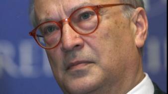 Watson: Cea mai bună soluţie pentru România, alegeri parlamentare şi prezidenţiale noi
