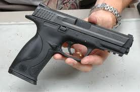 Deţinere ilegală de armă