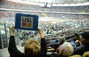 """77.000 de participanţi pe Naţional Arena Bucureşti.""""USL -Unica Soluţie Legitimă"""",sloganul manifestării"""