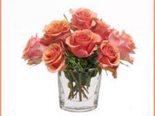 Cum să păstrezi cât mai mult timp florile in vază