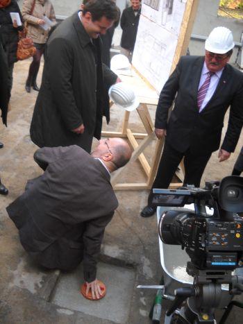 Kelemen Hunor depune capsula timpului la Teatrul Municipal Carei