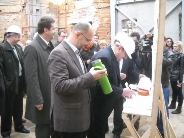 Guvernul Ponta acordă şi în acest an Uniunii Democrate Maghiare cei mai mulţi bani pentru minorităţi