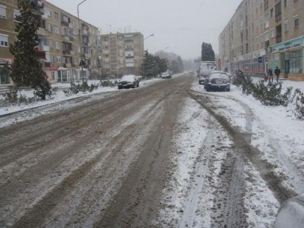 Poliţia Rutieră recomandă prudenţă maximă pe şosele