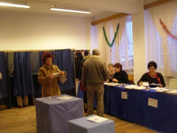 Se caută jurişti ca preşedinţi de birouri electorale de circumscripție