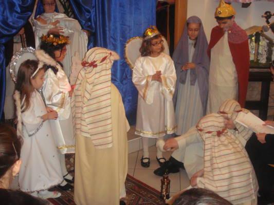 """""""Familia este sfântă, doar în interiorul ei ne putem mântui prin iubire"""" -spectacol la biserica Sf.Anton"""