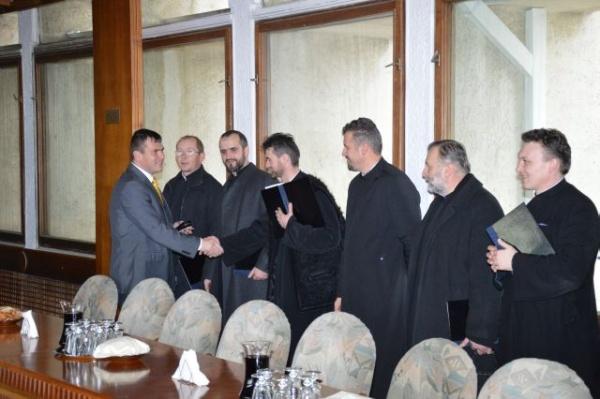 Colindători careieni la Consiliul Judeţean