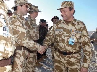 Băsescu și Boc au refuzat să recupereze datoria de la Irak