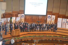Studenţii români din străinătate, premiaţi şi încurajaţi să se intoarcă in ţară