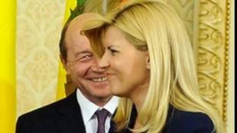 Băsescu, Revelion cu Udrea şi cu familia