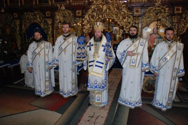 Liturghie Arhierească la Biserica Sf.Mihail şi Gavril din Carei