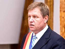 Klaus Iohannis a cântat imnul României.Ponta s-a incurcat