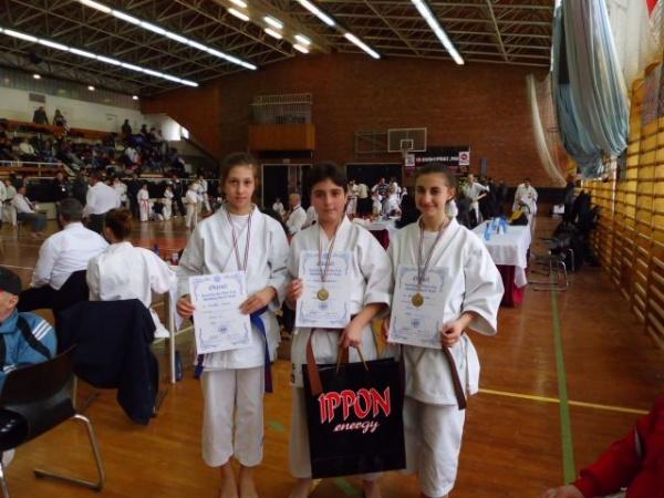Karate: 15 medalii pentru careieni
