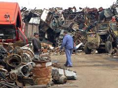 Cum vrea Ministerul Economiei să oprească hoţii de fier vechi