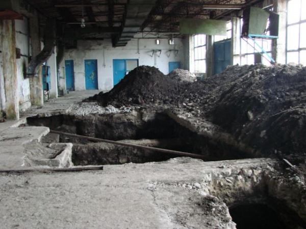 Săbii de mare valoare îngropate într-un penitenciar