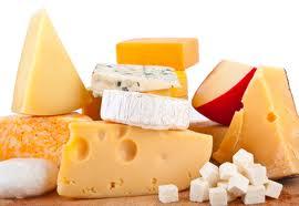 Industria lactatelor a rămas fără 100 de fabrici şi 4.000 de angajaţi în cinci ani