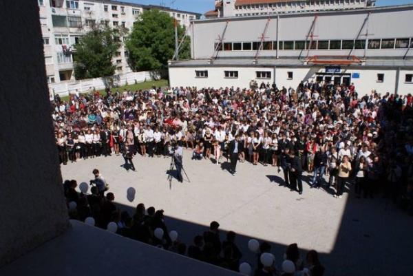 Programul festivităţilor de absolvire pentru liceele din Carei
