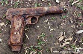 Pistol din timpul celui de-al Doilea Război Mondial, găsit la Sanislău