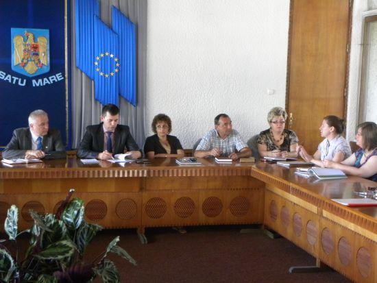 Prefectura atrage atenţia la cheltuirea banilor publici