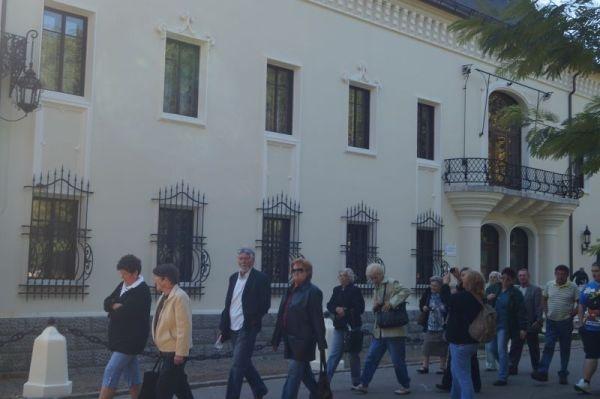 Program de vizitare întrerupt pentru 2 ore la Castel.Liga aleşilor locali UDMR