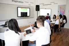 Fără tablă şi caiete: Prima clasă digitală din România