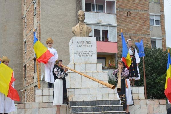 Tulnicele au sunat la comemorarea celor 141 de ani de la moartea lui Avram Iancu