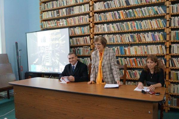 Întâlnire profesională cu bibliotecarii din județ