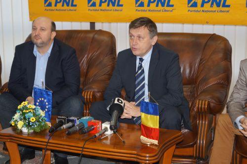 Vicepremierul Daniel Chiţoiu, interimar la Economie