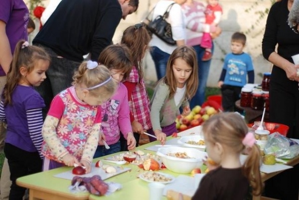"""Simpozion internațional """"Grădinița de copii – evoluție instituțională și inovație didactică"""""""