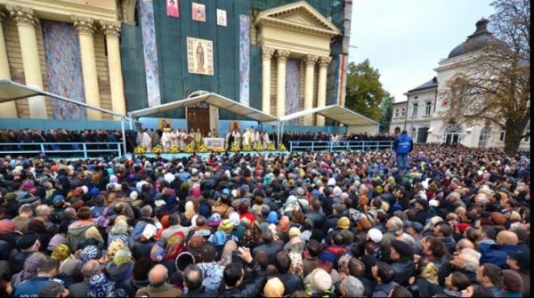 Sfânta Parascheva.Tradiţii şi obiceiuri