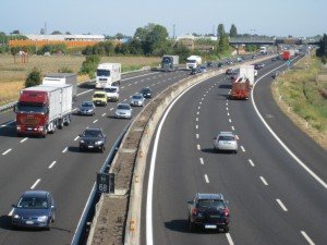 Atenționare de călătorie în Ungaria: Autostrada de la graniţa cu Austria, blocată pe 11 km