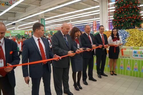 S-a tăiat panglica la Auchan Satu Mare