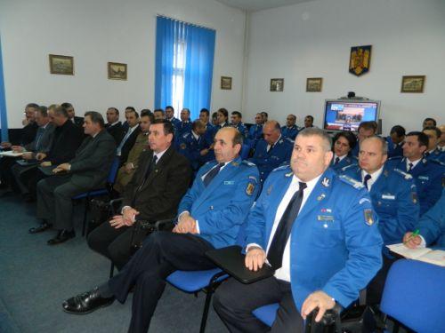 Jandarmi angrenaţi în asigurarea ordinii publice de sărbătorile Anului Nou.Urări