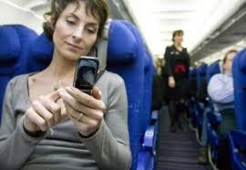 Liber la telefoanele mobile în avion