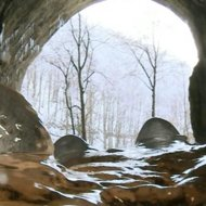 O peșteră cu cristale unice în Europa poate fi vizitată în Apuseni