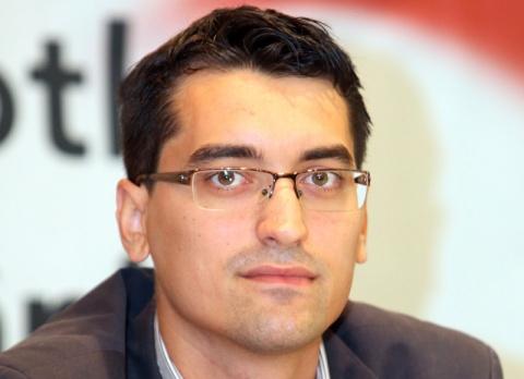 Răzvan Burleanu a câştigat alegerile pentru şefia FRF