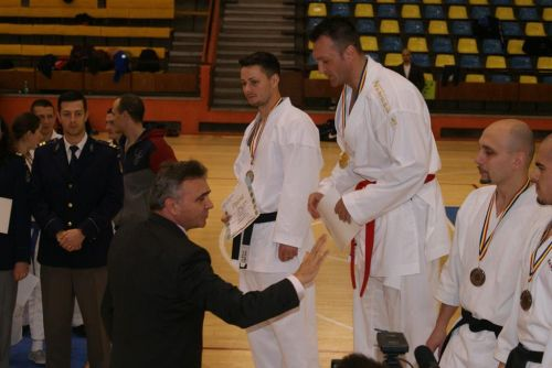 "ISU ,, SOMEŞ "" are campion national la karate"