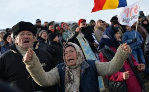 Se întâmplă în România: Chevron sigilează fântânile din Pungeşti