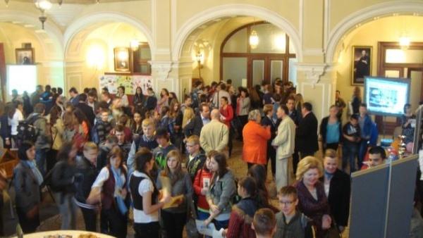 Concurs pentru ocuparea funcţiilor de directori de şcoli