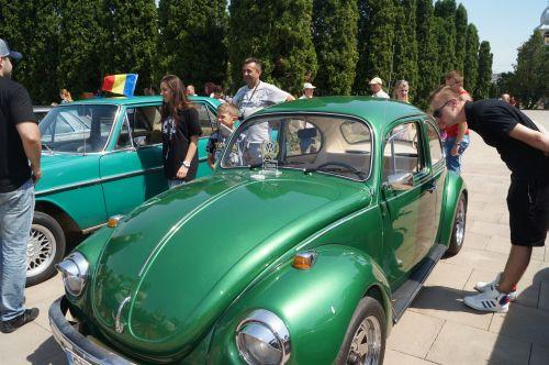 Gemenele din Ucraina şi un Mercedes din 1938 au facut senzaţie la Parada Maşinilor