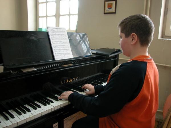 Rolul educaţiei  muzicale în cazul copiilor