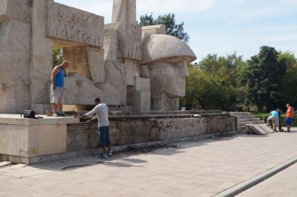 Au început lucrările de reabilitare a Monumentului Ostaşului Român