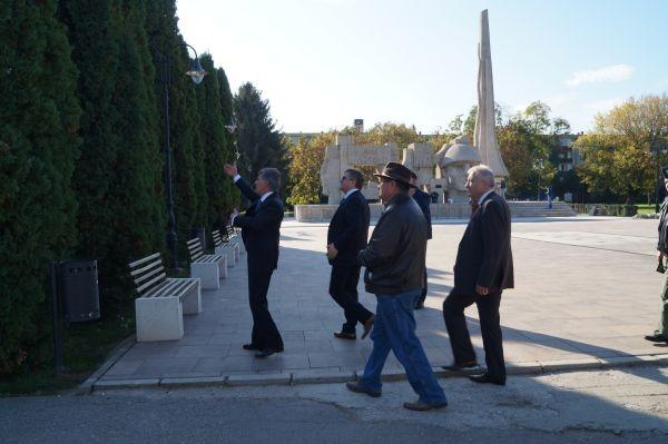 Ministrul Apărării,Mircea Duşa  inspectează la Carei stadiul pregătirilor pentru 25 octombrie,Ziua Armatei