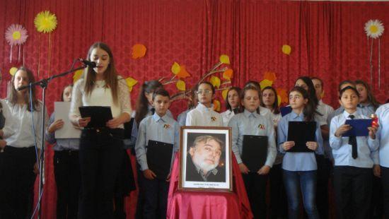 """Adrian Păunescu,comemorat la Şcola  Gimnaziala """"Vasile Lucaciu"""""""