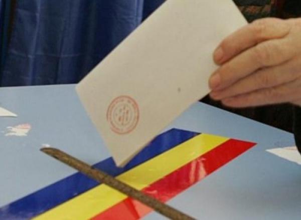 """La Cluj a început fraudarea votului? Studenţi: """"În Haşdeu se oferă 50 de lei pentru un vot cu Ponta"""". AVEM DOVADA!"""