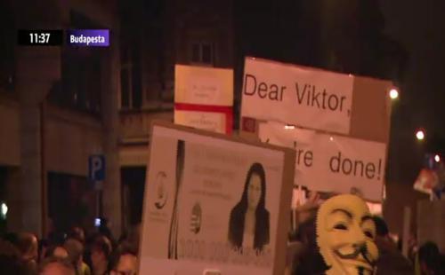 Protest de amploare la Budapesta. Mii de oameni au manifestat împotriva corupţiei din Guvern