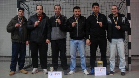 Câştigătorii de serviciu la  Cupa  Revelionului Carei 2014- echipa din Foieni
