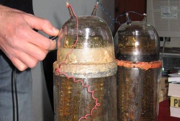 BATERIA care NU se CONSUMĂ 60 DE ANI, făcută de un român care s-a ocupat şi de electrificarea Veneţiei
